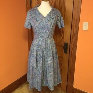 Vintage 50s housewife pin up style full dress